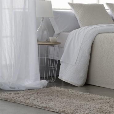 Alfombra SHAGGY AMPALA Barceló Hogar beige dormitorio